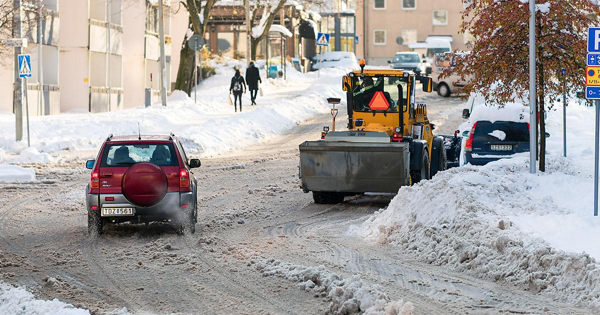 duboki sneg na ulicama